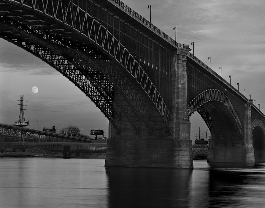 /product//moonrise-and-the-eads-bridge-2017/