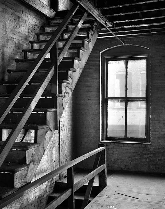 /product//stairs-and-window-building-3/